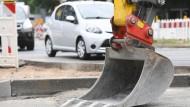 Wird die Sanierung einer Gemeindestraße kann ganz schön ins Geld gehen.