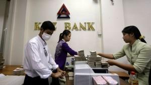 Ansturm auf führendes Kreditinstitut in Burma