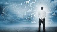 Um fundierte strategische Entscheidungen treffen zu können, benötigt der CFO ein funktionierendes IT-System, das die Flut an Daten schnell aufarbeitet.