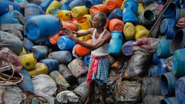 Sinkende Rohstoffpreise entlasten Asien