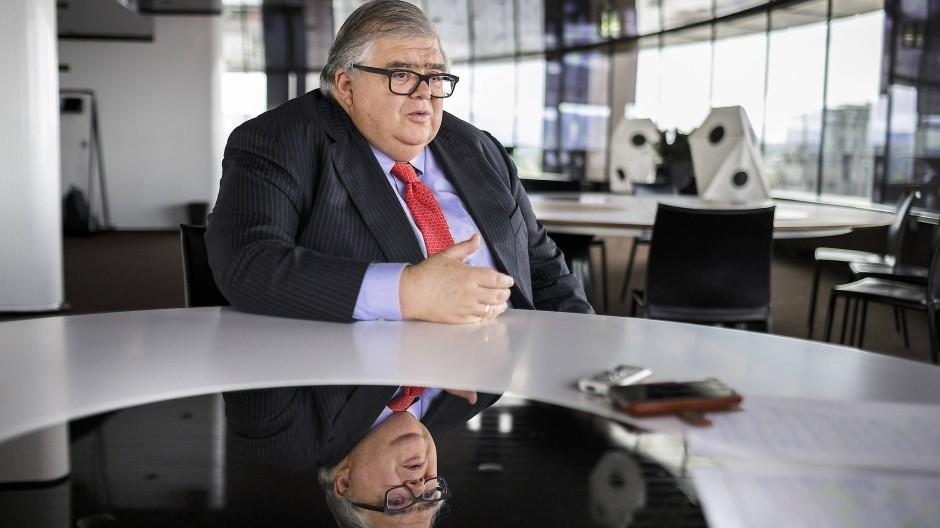 Agustín Carstens, Generaldirektor der Bank für internationalen Zahlungsausgleich, sieht Digitalwährungen sehr kritisch.