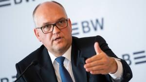 Rainer Neske sagt erst der Commerzbank ab und verlängert dann in der LBBW