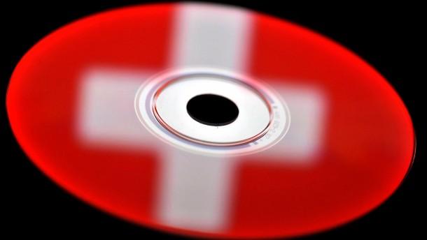 Steuer-CD fuehrt Fahnder zu weiteren Steuersuendern