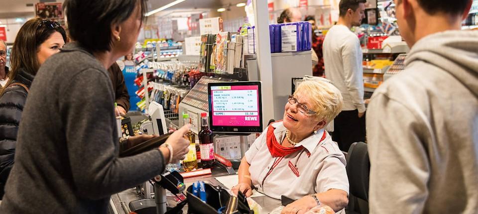 Im Supermarkt Kann Man Jetzt Auch Geld Einzahlen