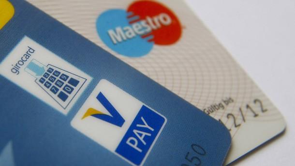 Viele Banken erhöhen Kontogebühren um gut 30 Prozent