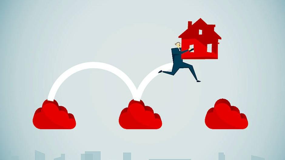 Der Niedrigzins für Hypotheken lässt vermuten, dass das Eigenheim so günstig wie lange nicht mehr zu haben ist. Doch auch andere Faktoren spielen bei der Finanzierung eine Rolle.