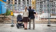Haben junge Familien es heute wirklich schwerer als ihre Eltern beim Hauskauf?