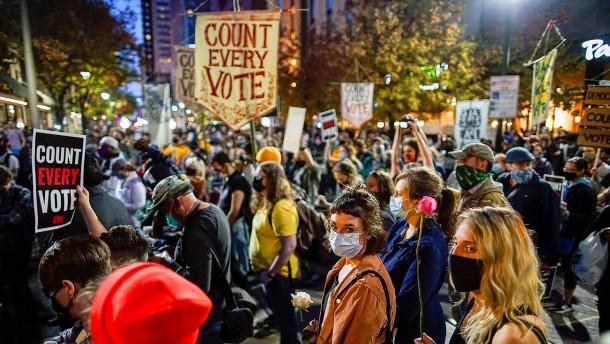 Demonstrativ staatsmännisch