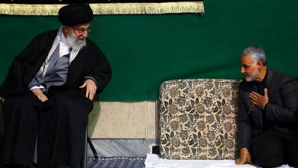 Strippenzieher im iranischen Schattenreich