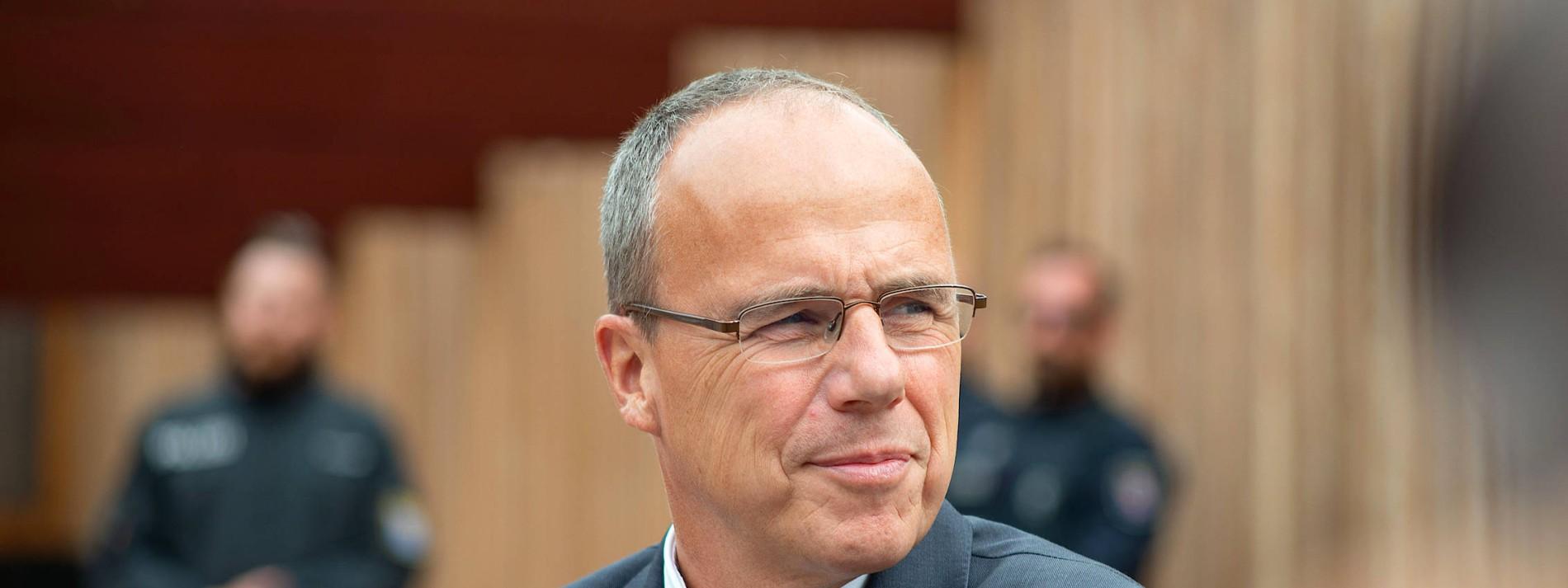 """Expertenkommission fordert """"Neubeginn"""""""