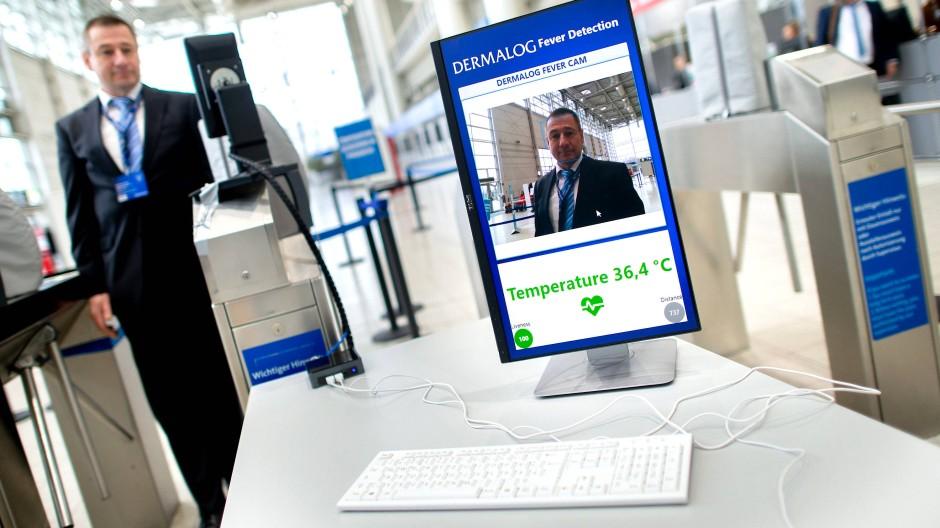 Die Angst vor dem Coronavirus geht um: Aus Sorge vor der Ausbreitung des Virus haben die Veranstalter der Reifenmesse Tire Technology Expo in Hannover strenge Sicherheitsmaßnahmen ergriffen.