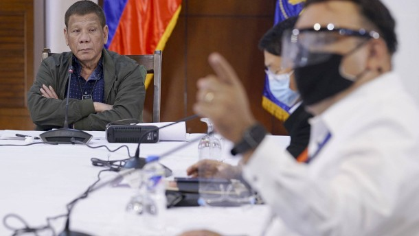 Dutertes rabiater Krieg gegen das Virus