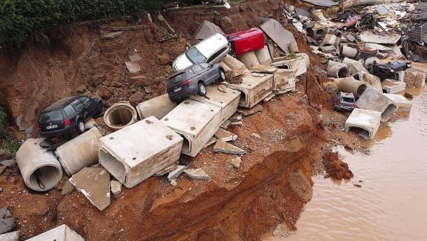 Reul: Krisenstab hätte aktiviert werden sollen