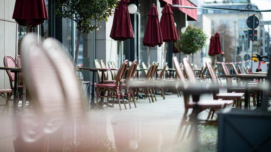 Was darf die Exekutive allein verfügen? Geschlossene Restaurantterrassen in Berlin-Mitte
