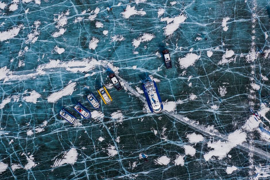 Der russische Baikalsee gilt als eines der saubersten Trinkwasserreservoirs. Aber seit einigen Jahren steht dieses Siegel durch wachsende Verschmutzung der Industrie in der Region auf dem Spiel.