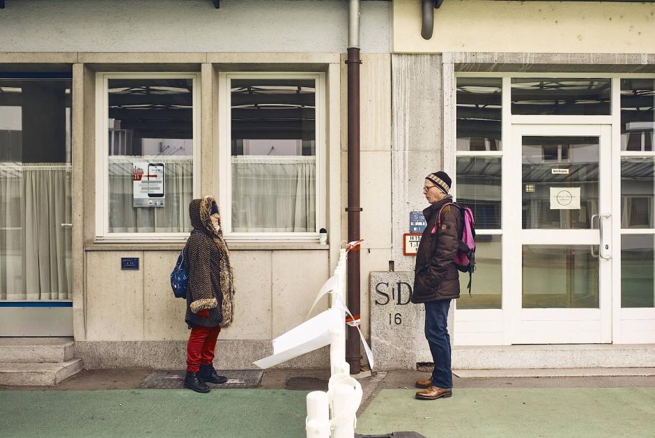 Josephina aus Arbon in der Schweiz und Josef aus dem deutschen Singen sind seit dreißig Jahren ein Paar. Während der Grenzschließung trafen sie sich dreimal die Woche zwischen Kreuzlingen und Konstanz, um zu plaudern.