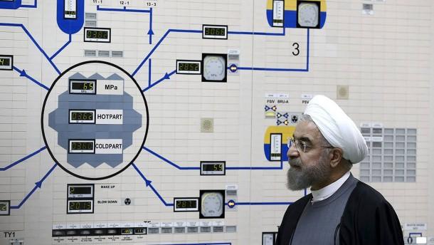 Chamenei will von Amerika Taten sehen