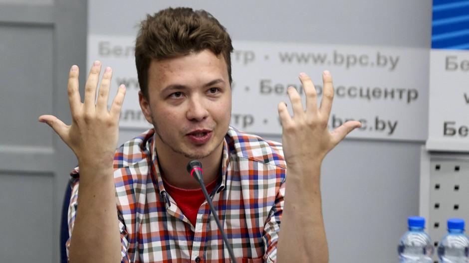 """""""Ich fühle mich absolut wunderbar"""": Eine unabhängige Journalistin widersprach den Aussagen von Roman Protassewitsch während der Minsker Inszenierung."""