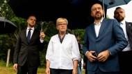 Litauens Ministerpräsidentin Ingrida Simonyte mit dem EU-Ratspräsidenten Charles Michel an der litauisch-belarussischen Grenze am Dienstag