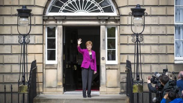 London spielt Sturgeons Wahlsieg herunter