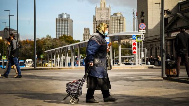 Russland stirbt, schweigt und straft