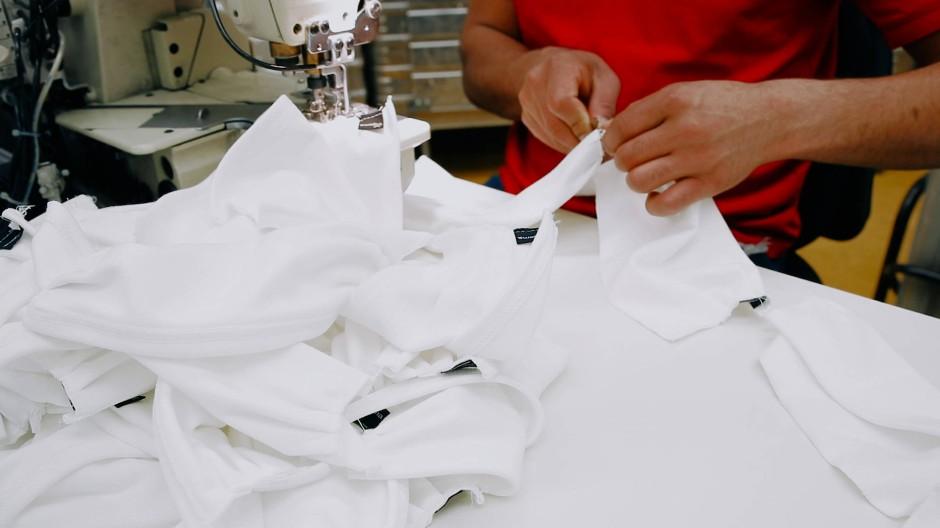 Masken statt T-Shirts: Auch das Unternehmen Trigema ist in die Produktion eingestiegen.