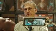 Christoph Waltz  als Dr. Dyson Ido in einer Szene des Films Alita: Battle Angel .