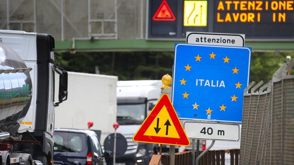 Die österreichisch- italienische Grenze am Brenner