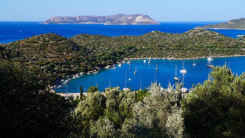 Blick von Kaş auf die nahegelegene griechische Insel Kastelorizo