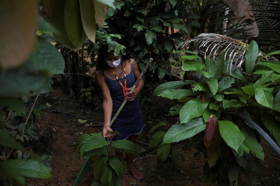 Wenn sie die Zeit findet, arbeitet Vanda in ihrem Garten.