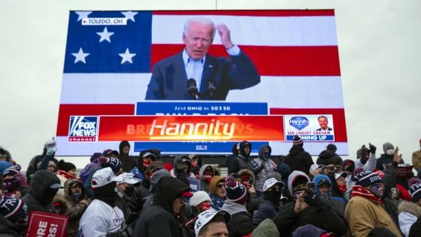Wie Fox News und CNN über den Wahlkampf berichten