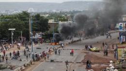 Wie Malis Präsident versucht, die Demonstranten zu besänftigen