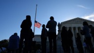 Trauer um eine Ikone: Vor dem Supreme Court in Washington ist die Flagge auf halbmast gesetzt.