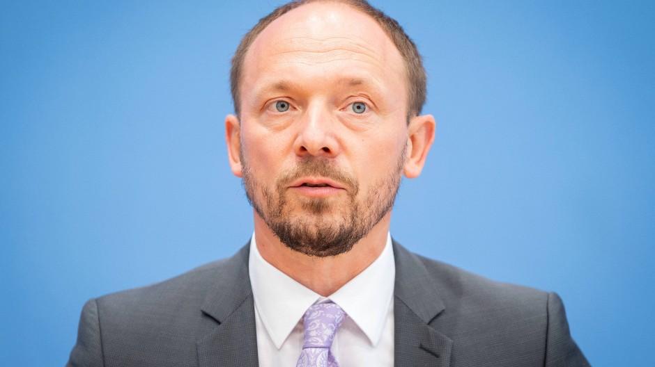 Marco Wanderwitz, Ostbeauftragte der Bundesregierung, würde sich selbst nicht Ostdeutscher nennen, sagte er am 7. Juli 2021 in Berlin.