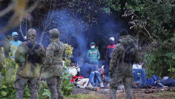 Von Grenzschützern umstellt