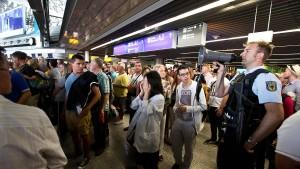 Offene Fragen nach Terroralarm am Flughafen