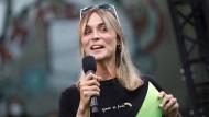 Neu im Bundestag: Nyke Slawik, 27, hier bei einer Wahlkampfveranstaltung Anfang September in Köln, zieht für die Grünen nach Berlin.