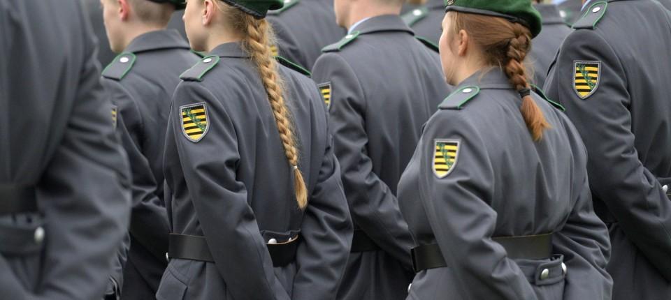 Bundeswehr Verpflichtung Auf Kurzes Haar Rechtmäßig Menschen Faz
