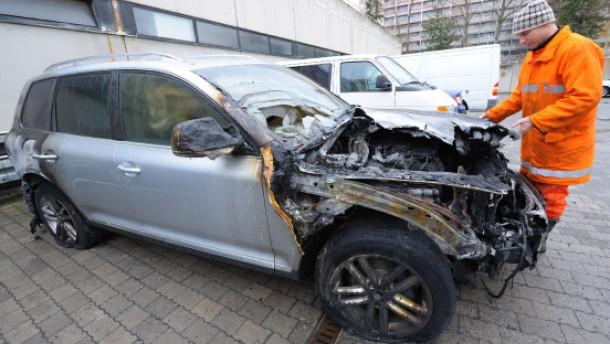 Anschlag auf Auto des Projektleiters der Fraport