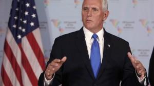 Berater von Mike Pence tritt nach zwei Tagen im Amt zurück