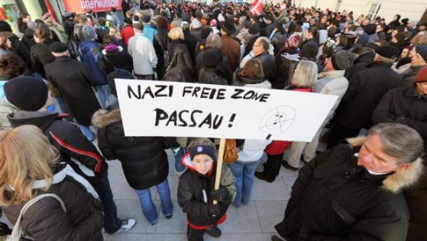 Friedlicher Protest gegen Neonazi-Aufmarsch