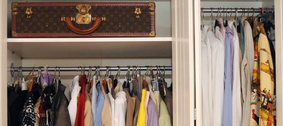 Kleiderschrank entrümpeln: Wohin mit der alten Hermès-Bluse? - Mode ...