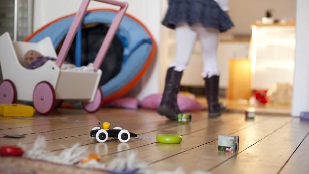 Wie bringt man Kinder zum Aufräumen?