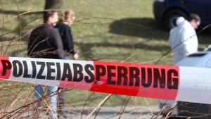 Frau verblutet vor Kieler Schule