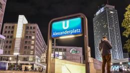 Sechs Verletzte bei Messerstecherei auf dem Alexanderplatz