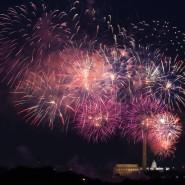 Früher war mehr Feuerwerk: Mit Raketen über dem Lincoln Memorial, dem Washington Monument und dem Kapitol feierte man in Washington den amerikanischen Unabhängigkeitstag.