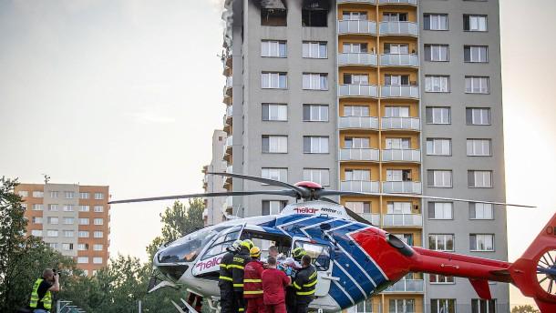 Bei Hochhausbrand mit elf Toten wird Brandstiftung vermutet