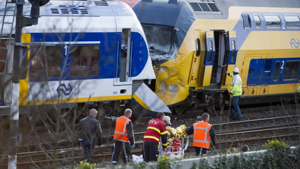 Trains collide near Amsterdam, at least 48 reported injured