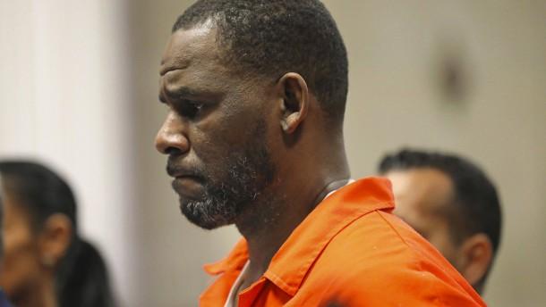 Prozesse gegen Popsänger R. Kelly auf Herbst geschoben