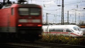 Wieder Kind ohne gültige Fahrkarte aus Zug gewiesen